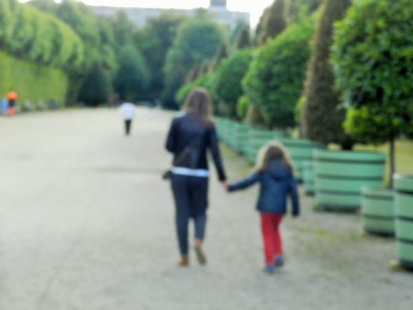 Мать и Дочь Противостояние