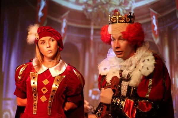 Спектакли в Берлине Королевство Кривых зеркал и Красная шапочка